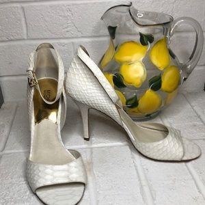 HP 🎉 Michael Kors White Heel Sandals